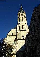 Kostel sv. Víta ve městě Český Krumlov, novogotická věž, foto: Lubor Mrázek