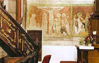 Kirche St. Veit in Český Krumlov, Fresken aus der 1. Hälfte des 15. Jahrhunderts mit den Szenen: Kreuzigung, St. Veronika, St. Elisabeth, St. Magdalena und St. Katharina