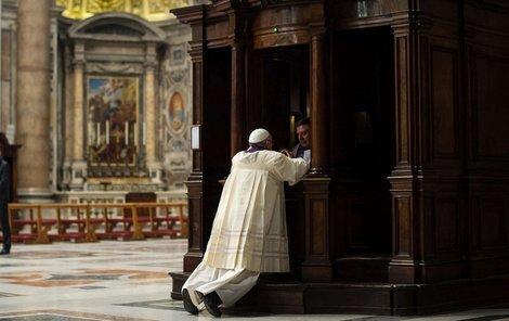 Udílení svátosti smíření ve Svatém týdnu