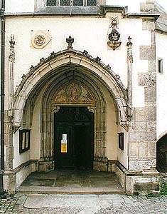 Kirche St. Veit in Český Krumlov, Eintrittsportal