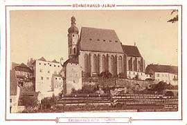 Kirche St. Veit in der Stadt Český Krumlov mit dem ursprünglichen barocken Turm, ein historisches Foto
