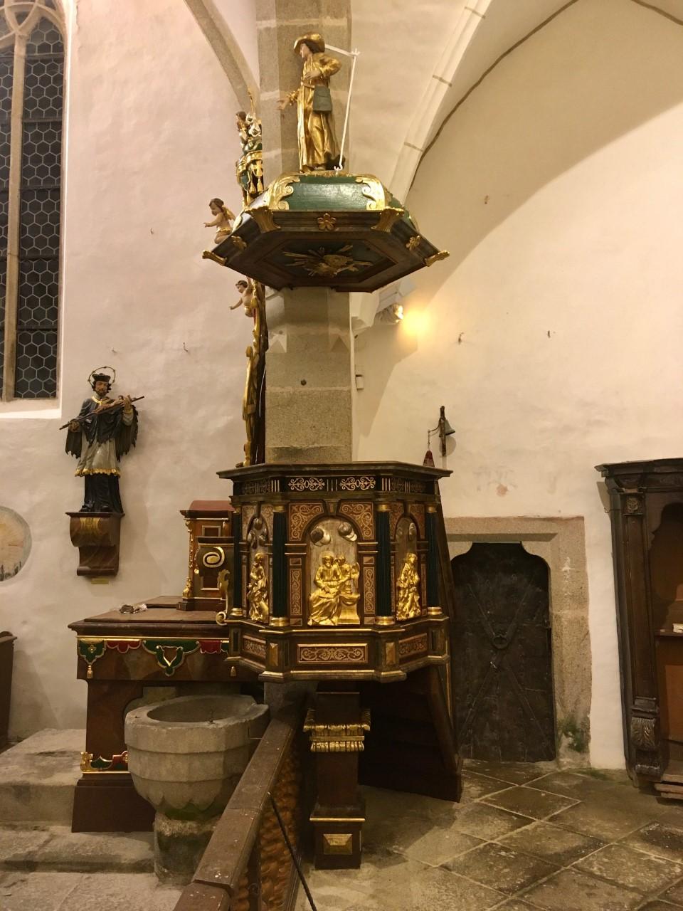 Zrestaurování kazatelny v kostele sv. Jana Křtitele v Zátoni